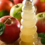 Friday Feature: 5 Ways to Use Apple Cider Vinegar For Beauty