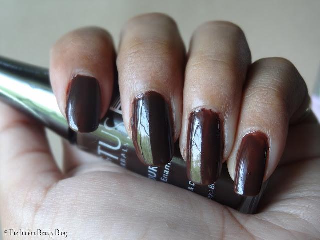 lotus herbals color dew nail enamel choco fudge review
