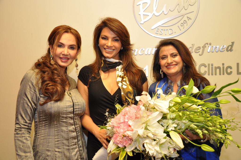 Dr. Jamuna Pai with Diana Hayden and Madhu Arora