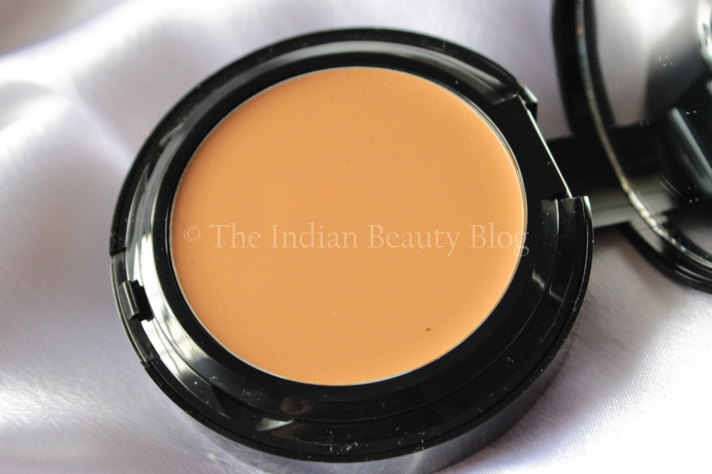 bobbi-brown-foundation-10