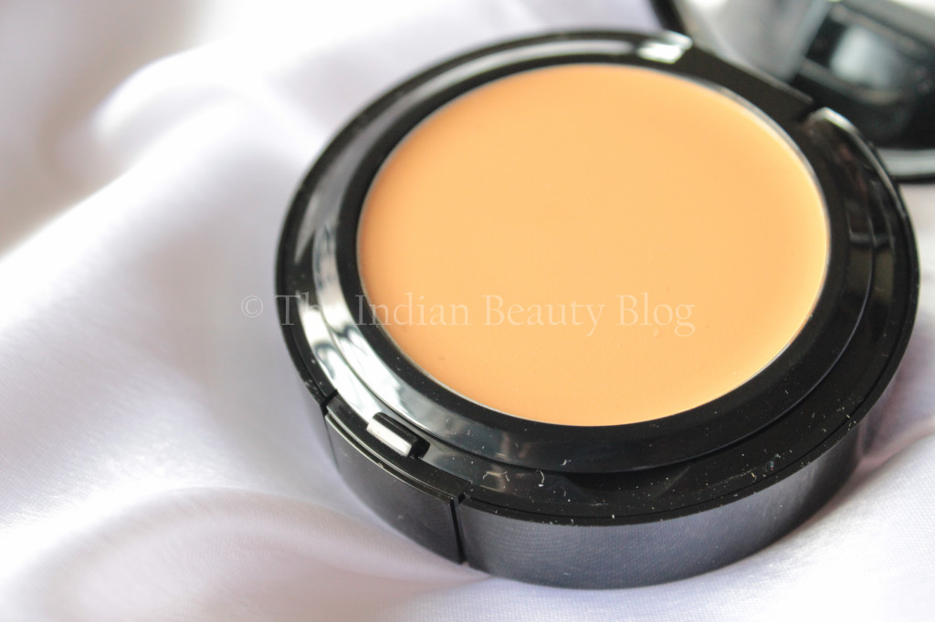 bobbi-brown-foundation-8