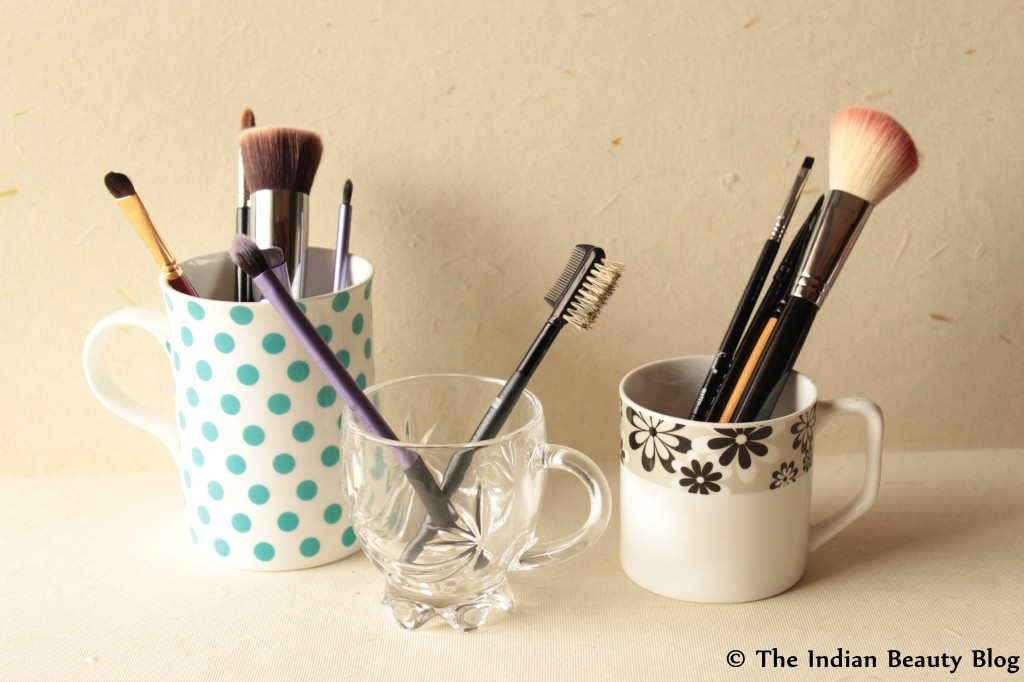 makeup brush storage (4)