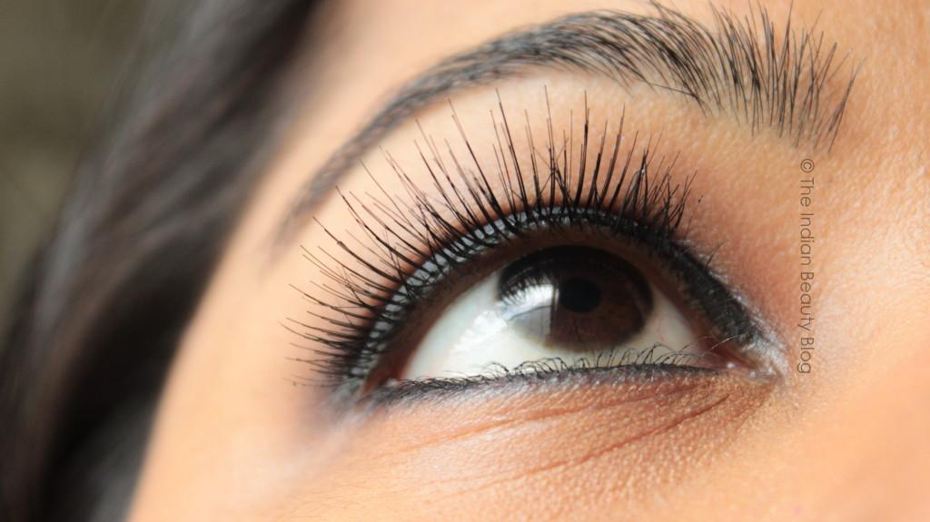 smokey eyes false lashes