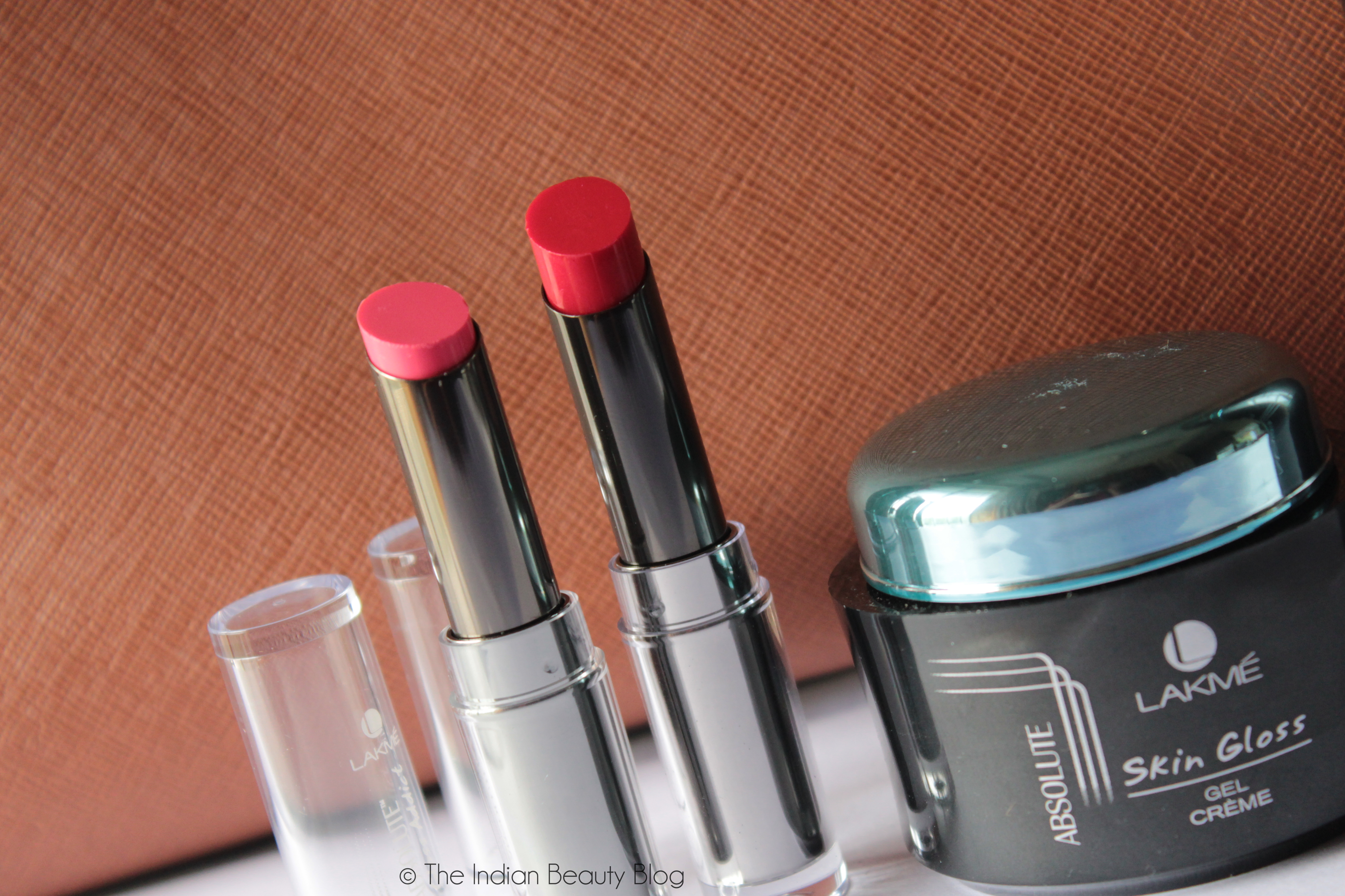 Lakme Gloss Addict Rustic Red Review, Swatches